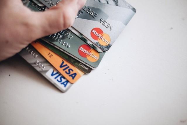 Prêt de 800 euros sans chèque bancaire organisé en 5 minutes